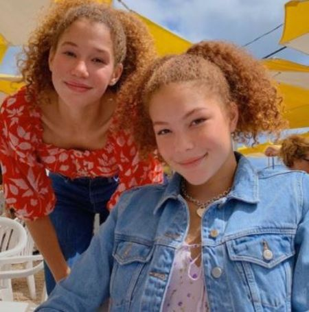 Sophia Strahan with her twin sister Isabella Strahan