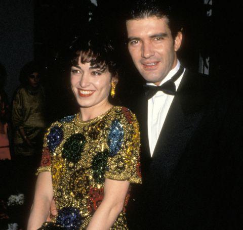 An old photo of Ana Leza and Antonio Banderas.