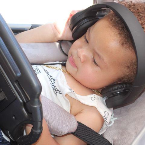 Jru Listening to Music.